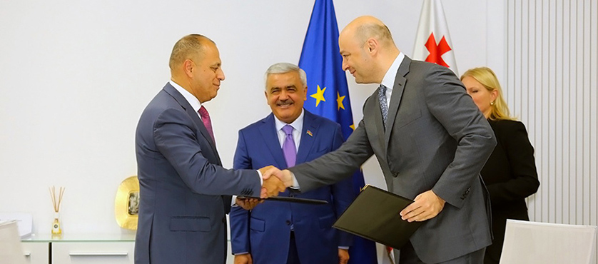 George Kobulia and Mahir Mammedov, General Director of SOCAR Energy Georgia LLC Signed Memorandum of Cooperation - 23.10.2018